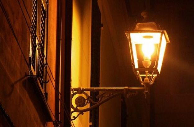 illuminazione-pubblica-sprechi (1)